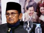 bj-habibie-hadiri-konpers-pembajakan-film-indonesia_20160705_132756.jpg