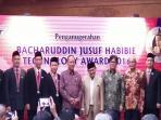 bj-habibie-tekhnologi-award-2016_20160818_215311.jpg