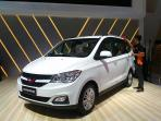 booth-wuling-motors-di-giias-2016_20160811_102724.jpg