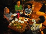 budaya-minum-kopi-di-banyuwangi_20161229_173339.jpg