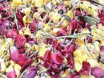 bunga-tulip-dibuang-ke-tempat-sampah-di-chiba.jpg