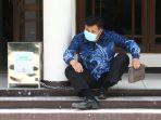 Geledah Rumah Kerabat Aa Umbara, KPK Angkut Dokumen Terkait Kasus Korupsi