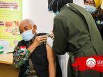 bupati-sri-purnomo-saat-menerima-vaksin-covid-19.jpg