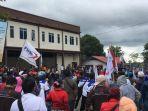 Ratusan Buruh Unjuk Rasa di Kawasan Bintan Industrial Estate, Minta Kenaikan UMK 2021