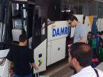 bus-damri-yang-melayani-penumpang-dari-bandara-kertajati-menuju-bandung.jpg