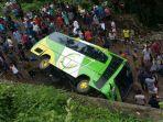 bus-pns-jabar-kecelakaan-di-lombok_20170128_194808.jpg