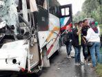 bus-rombongan-istri-lurah-se-bandung-tabrak-truk.jpg