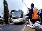 bus-telolet_20160512_192948.jpg