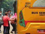 Dishub DKI Sediakan Bus Antar Jemput Lansia yang Akan Divaksin Covid-19