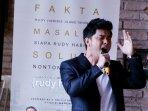 cakra-khan-di-acara-soundtrack-film-rudy-habibie_20160523_133254.jpg