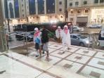 calon-jamaah-haji-usai-terjadi-badai-dan-robohnya-crane-di-mekkah_20150912_165406.jpg