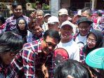 calon-wakil-gubernur-sandiaga-uno-bersama-warga_20170205_131456.jpg