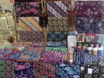 cantiknya-ragam-motif-batik-khas-bogor-produksi-batik-bogor-tradisiku-5_20151010_233530.jpg