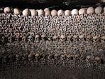 catacombs-paris-1.jpg