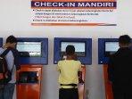 check-in-boarding-pass-kereta-api-stasiun-ka-senin_20160728_152211.jpg