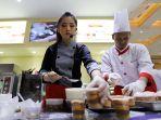 chef-livianca-vanaessa-demo-membuat-kue-bersama-bungasari_20181124_003953.jpg
