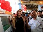 commuter-line-jakarta-luncurkan-vending-machine_20150919_145711.jpg
