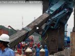crane-double-track-jatinegara-roboh-minggu-subuh_20180205_120745.jpg