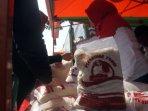 daging-beku-rp-85-ribukg-di-pasar-murah-car-free-day_20160509_154243.jpg