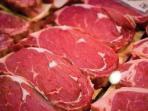Bukan Pakai Air, Begini Tips Membersihkan Daging Sebelum Dimasak