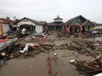 dampak-tsunami-selat-sunda-di-sumur_20181226_235310.jpg