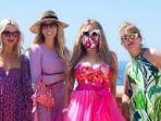 Pandemi Tahun Pertama Baju Rumahan Populer, Kini Tabrak Warna Bakal Jadi Tren Fashion 2021