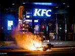 Polisi Belanda Bentrok dengan Massa Anti-Lockdown di Dua Kota, Tak Ada Laporan Korban Luka