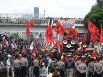 demo-buruh-tolak-omnibus-law_20200716_215617.jpg