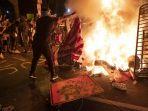 demo-dan-rusuh-pasca-tewasnya-george-floyd-merebak-di-amerika_20200602_161537.jpg