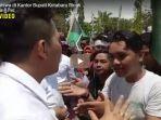 demo-mahasiswa-di-kantor-bupati-kotabaru-ricuh_20180924_153750.jpg