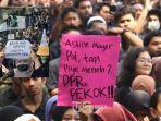 demo-mahasiswa-poster-nyeleneh.jpg