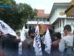 demo-mahasiswa-riau_20150806_165809.jpg