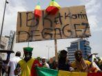 demo-tuntut-presiden-ibrahim-boubacar-keita-mundur.jpg