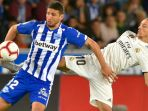 deportivo-alaves-vs-real-madrid-luka-modric_20181007_042029.jpg