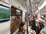 di-gerbong-kereta-metro_20180626_032053.jpg