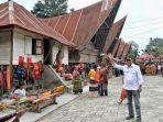 didampingi-menhub-kunjungan-kerja-jokowi-di-danau-toba_20190801_081324.jpg