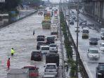 diguyur-hujan-lebat-tol-japek-kebanjiran_20200225_205854.jpg