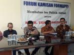 direktur-eksekutif-indonesia-political-review-ujang-komarudin_20180728_094603.jpg