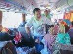 direktur-ptpn-seger-budiarjo-berangkatkan-mudik-lebaran-2019_20190601_115835.jpg