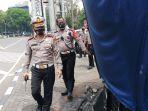 dirlantas-pmj-tinjau-pos-polisi-yang-dibakar-demonstran_20201010_135030.jpg