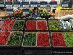 display-cabe-dan-sayur-mayur-di-pusat-perbelanjaan-modern_20170508_211523.jpg