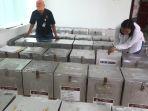 distribusi-logistik-pilkada-dki-jakarta-putaran-2_20170413_220806.jpg