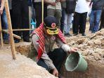 doni-monardo-peletakan-batu-pertama-pembangunan-huntap-sinabung.jpg