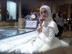 donita-hadiri-acara-endless-glamour-di-swan-jewellery_20190827_182806.jpg