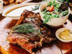 Mencicipi Steak Khas Italia dengan Daging yang Diproses Dry Aging 30 Hari