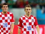dua-gelandang-tim-nasional-kroasia-mateo-kovacic-kiri-dan-luka-modric_20150819_234911.jpg