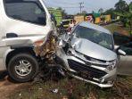 dua-mobil-travel-terlibat-kecelakaan-maut-di-terusan-batanghari.jpg
