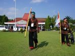 dua-pemuda-jalan-kaki-dari-magelang-jakarta_20171110_151300.jpg