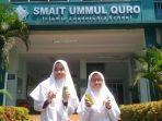 dua-siswi-sma-it-ummul-quro-bogor-membuat-inovasi-hand-sanitizer-dari-keong.jpg