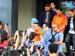 BREAKING NEWS - Pelaku Penyerangan Novel Baswedan Divonis Hukuman 2 Tahun & 1 Tahun 6 Bulan Penjara